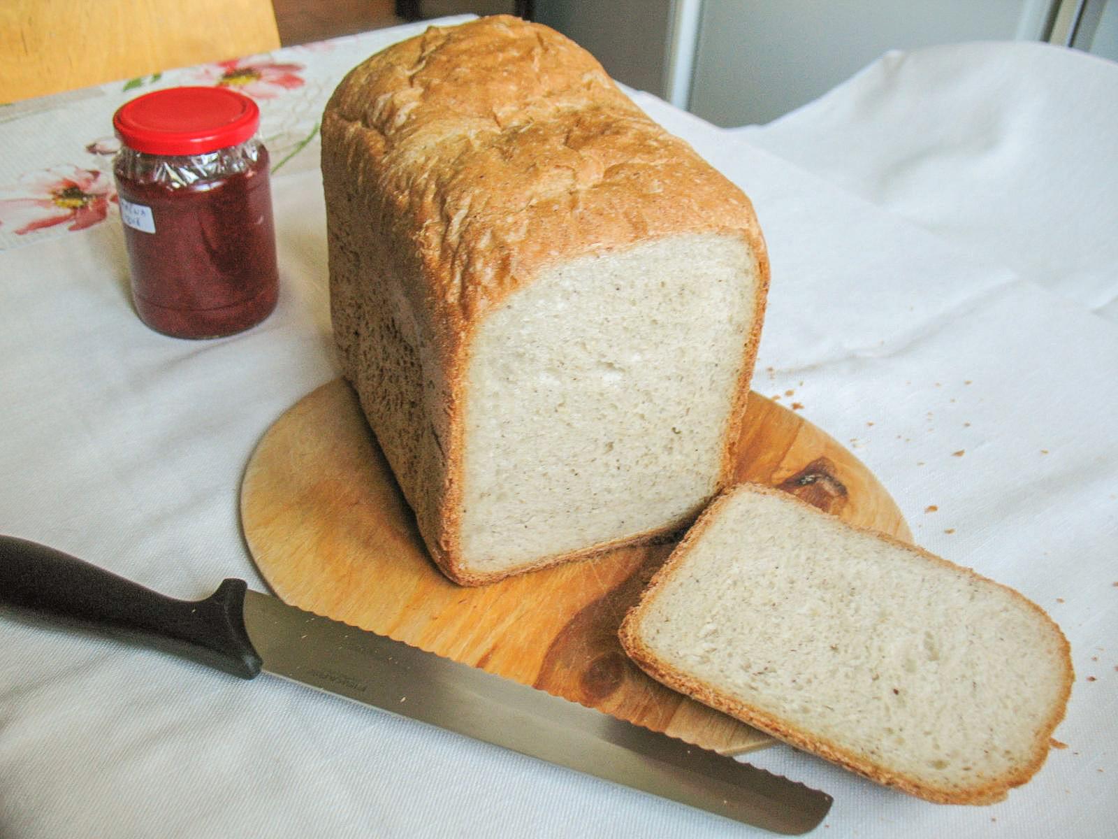 Rozsos kenyér kenyérsütőben