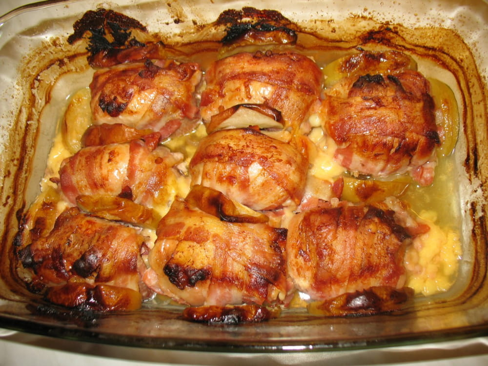 Göngyölt csirkecombok almával